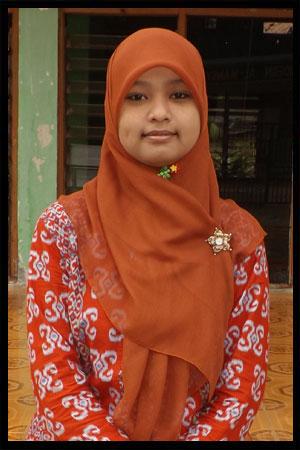 Ustz.-Siti-Mutmainnah.jpg